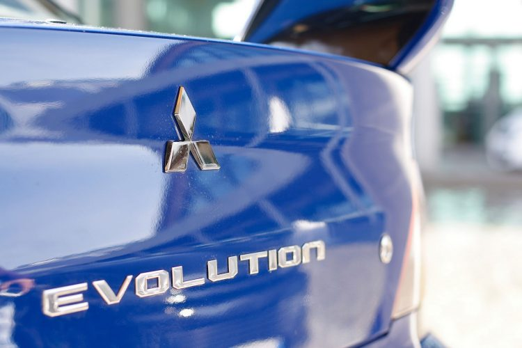 Mitsubishi Evolution logo coffre