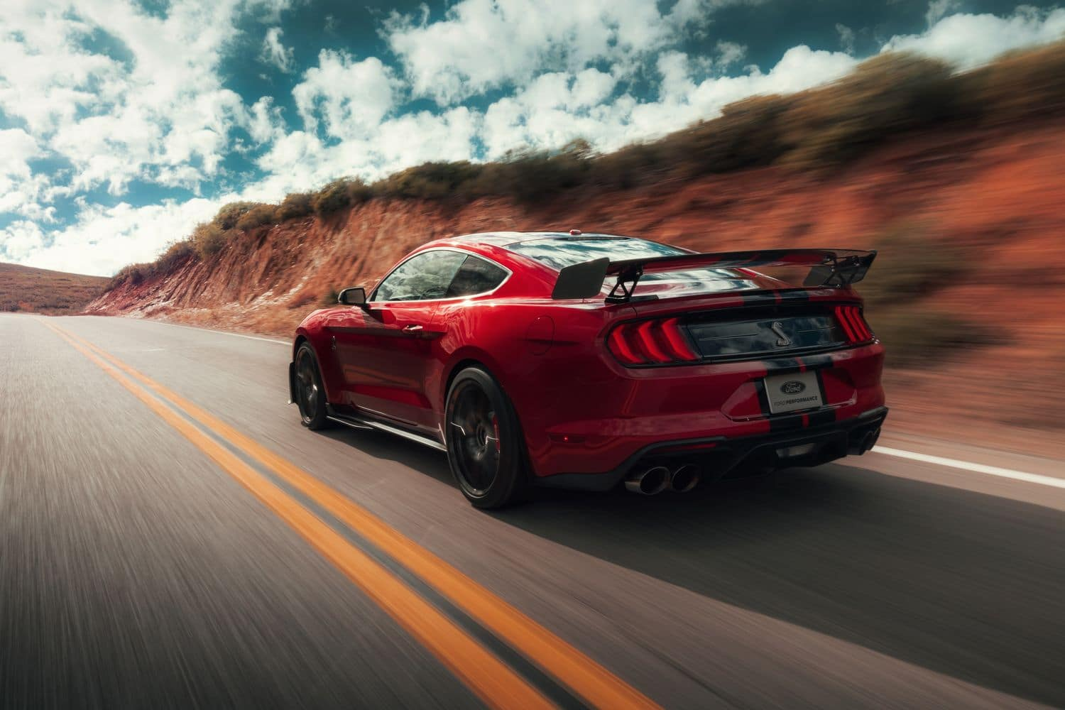 Ford Mustang Shelby GT500 - 3/4 arrière
