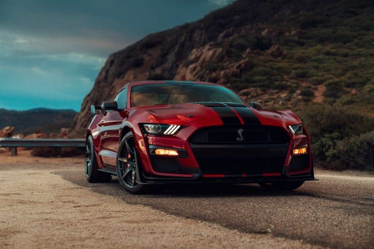 Ford Mustang Shelby GT500 - 3/4 avant