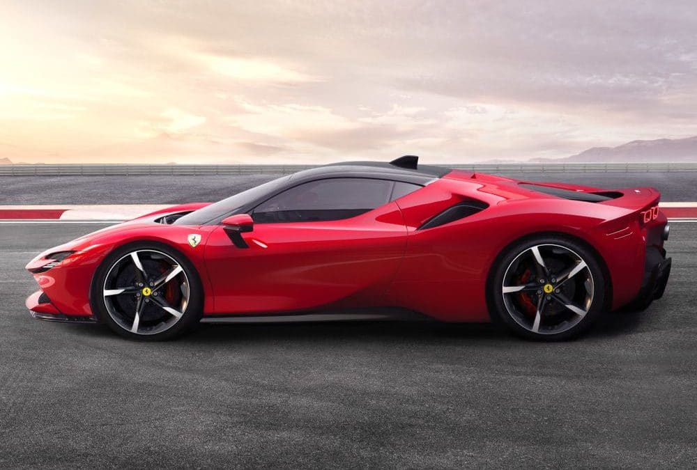 SF90 Stradale, une Ferrari hybride rechargeable